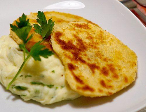 Sellerie-Schnitzel auf Kartoffel-Meerettichpüree